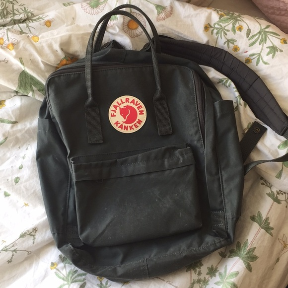 638e3141ea3 Fjallraven Handbags - Fjallraven Kanken Classic Forest Green Backpack